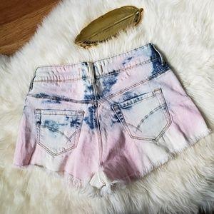 Bullhead Bleached High-Rise Frayed Shorts